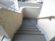 コーポ若林 共用階段