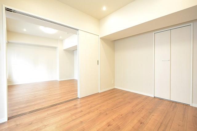 第18宮庭マンション 5.5帖洋室