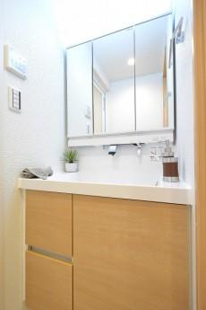 南青山ロータリーマンション 洗面台