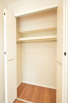第18宮庭マンション 5.5帖洋室クローゼット