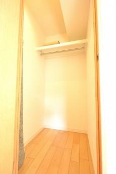 南青山ロータリーマンション 6.1帖洋室のWIC