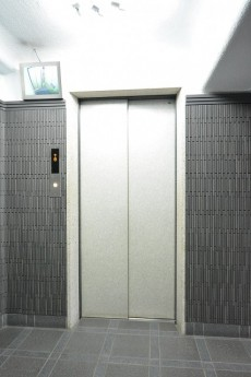 秀和第二三田綱町レジデンス エレベーターホール