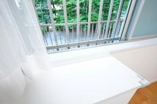 ニューウェルハイツ高輪 4.0帖洋室の窓