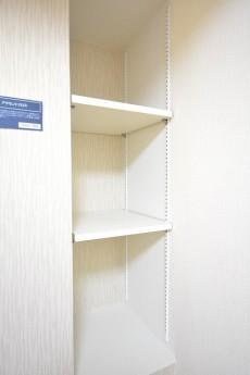 ニューウェルハイツ高輪 約4.0帖洋室の収納カウンター