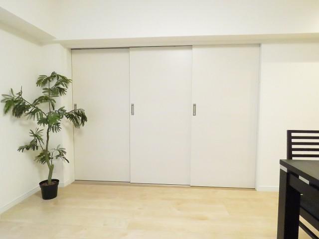 ミニカムマンション 洋室扉