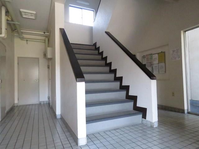 デボスハイツ 共用階段