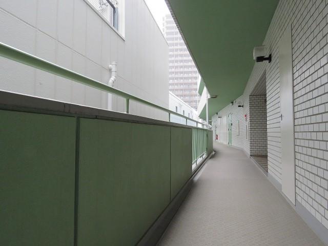 アルテール新宿 共用廊下