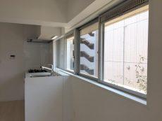 ラインコーポ箱崎 (22) バルコニー面以外にも窓がありとても明るいお部屋です!