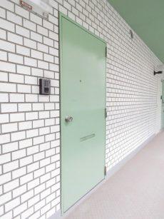 アルテール新宿 玄関扉