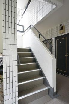 コスモ目黒長者丸 共用階段