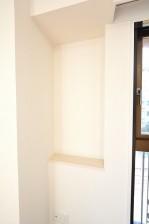 GSハイム南青山 6.0帖洋室の窓際カウンター