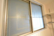東山コーポラス409 窓
