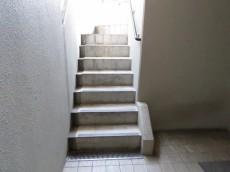 デュオスカーラ品川中延 共用階段
