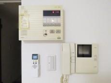 エバーグリーンパレス新宿 セコムとTVモニター付きインターホン