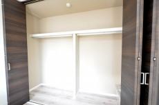小田急南青山マンション 6.3帖洋室のクローゼット