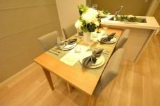 コスモ用賀 テーブル