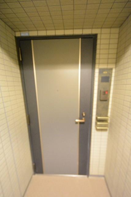 モアクレスト築地 玄関
