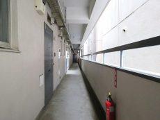 メゾン・ド・エビス 共用廊下