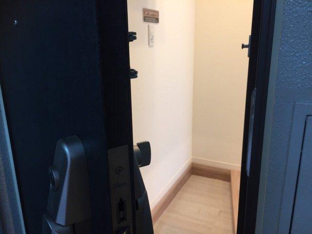 六本木ハイツ 301号(26)玄関