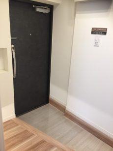 六本木ハイツ 301号(24)玄関