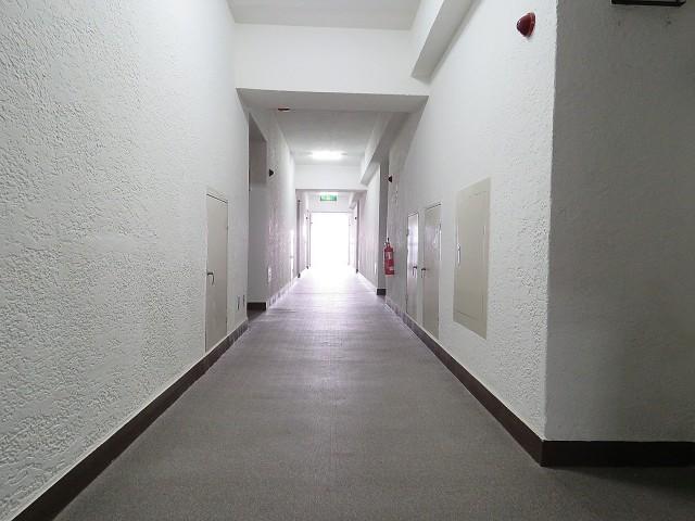 ライオンズマンション駒沢 共用廊下