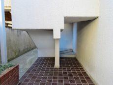 いづみハイツ芦花公園 共用階段