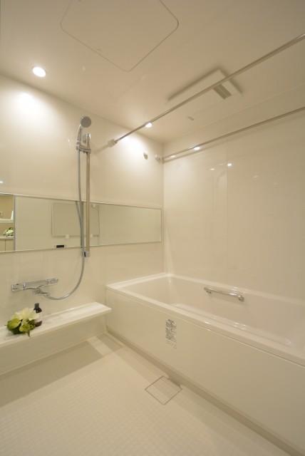 ラグナタワー 浴室