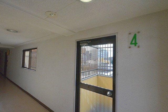 ライオンズマンション馬事公苑第2  内廊下