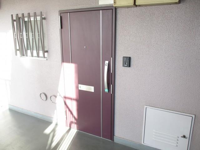 チサンマンション三軒茶屋第2 (2)玄関