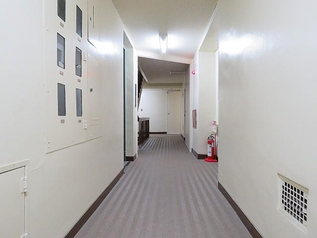 ニュー上馬マンション 共用廊下