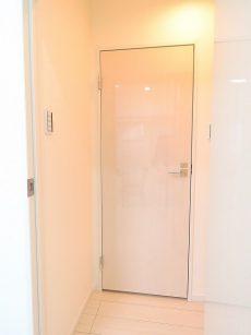 トゥール高輪 洗面室扉