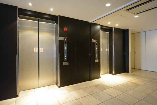 ラグナタワー エレベーター