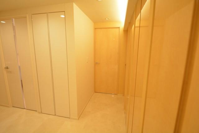 ラグナタワー 洋室2