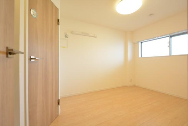 桜丘フラワーホーム 洋室1