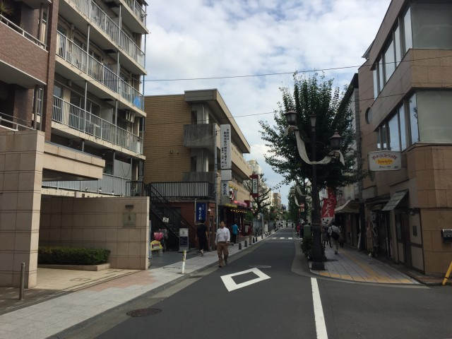 中野リハイム 前面道路
