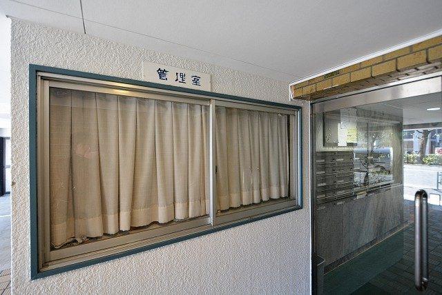 第八宮庭マンション5B号室 エントランス