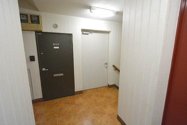 自由ヶ丘第5マンション702 階段 (2)