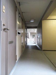 飯田橋第一パークファミリア 共用廊下