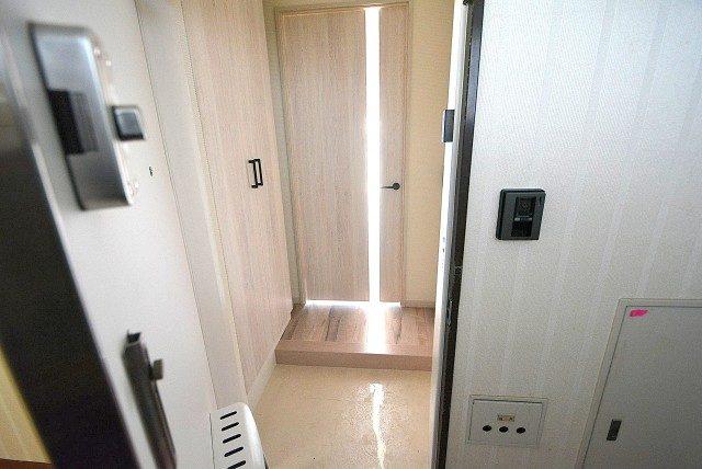 自由ヶ丘第5マンション702 玄関 (3)