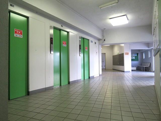 戸山ハイツ エレベーターホール
