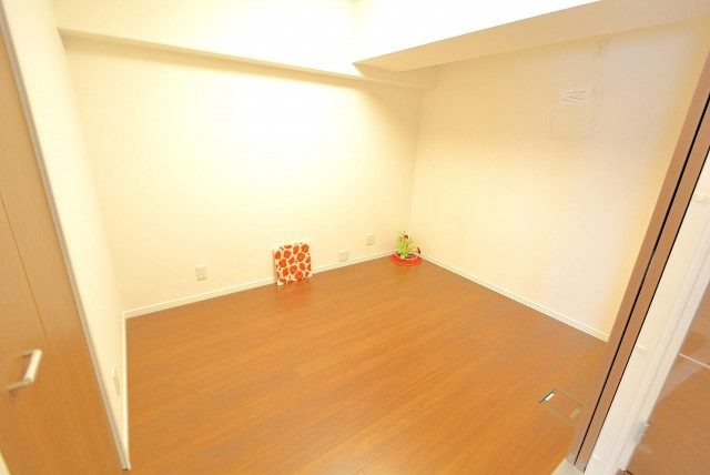 西新宿ハイツ 洋室2
