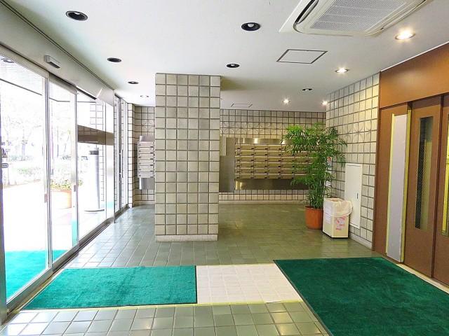 三田ナショナルコート エントランスホール