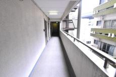 パラスト上目黒 玄関