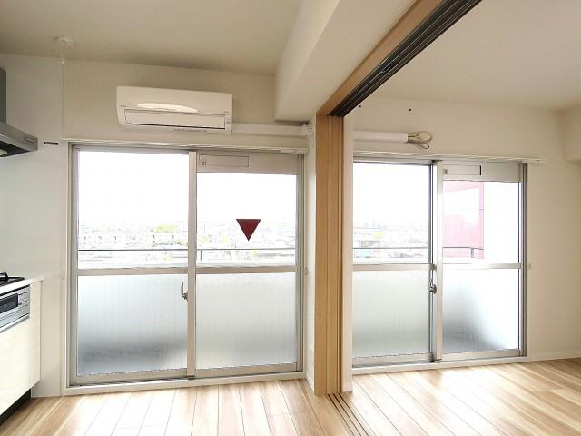 中銀桜新町マンシオン 窓