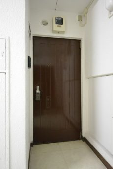 シャトレー駒沢 玄関
