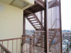 トーエイ高井戸 共用階段
