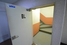 パイロットハウス北新宿 階段・内廊下