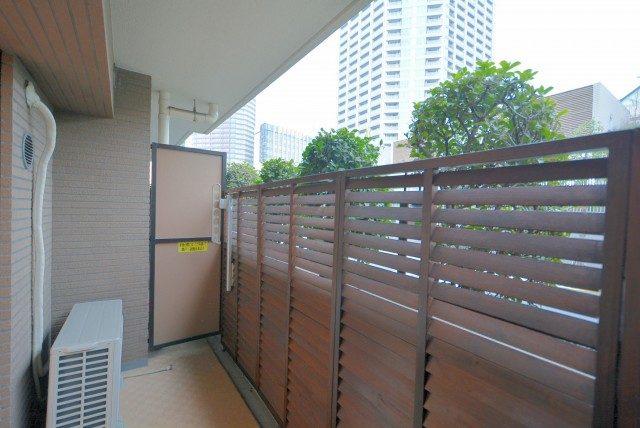 新宿御苑サニーコート バルコニー