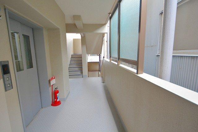 グランベル上野の杜 外廊下