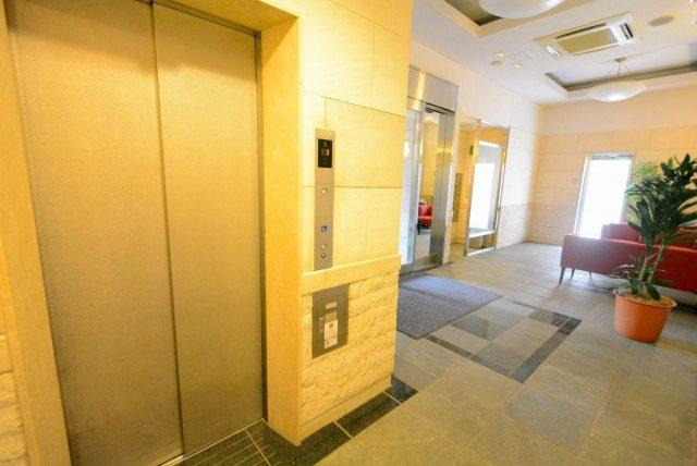 グラーサ駒沢大学 エントランス